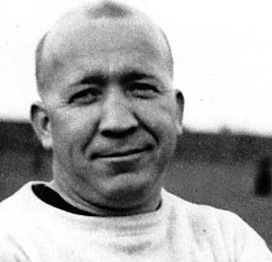Coach Knute Rockne's national impact on the game reached to Philadelphia too.