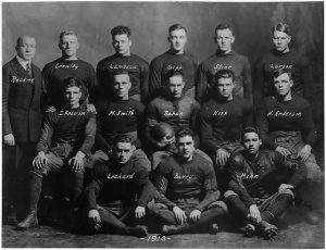 Notre Dame first year head coach Knute Rockne with his 1918 team.